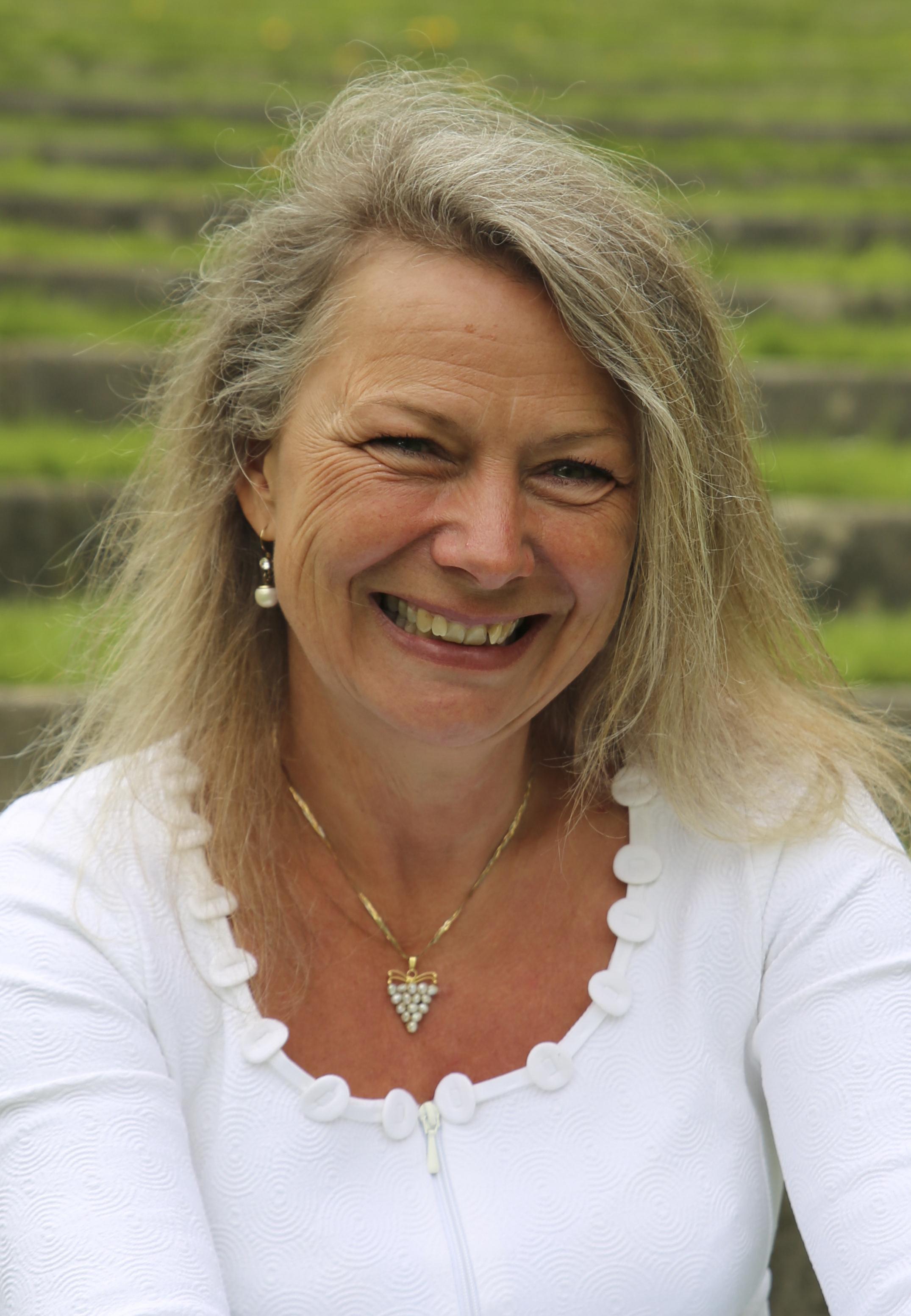 Helle Neergaard