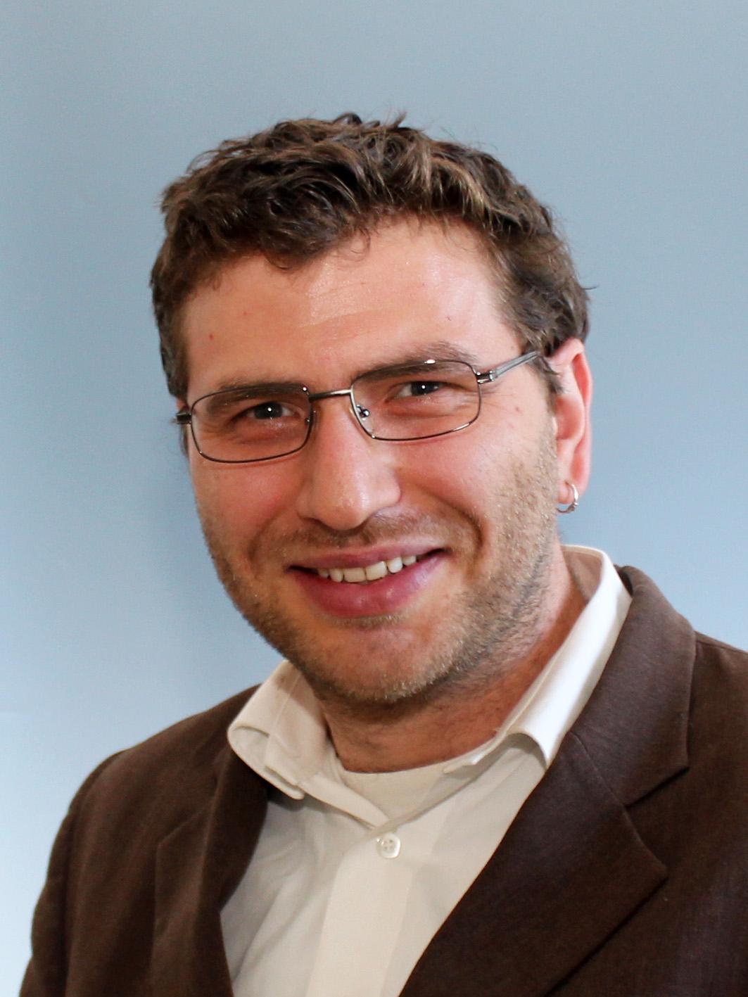 Simon Ozer